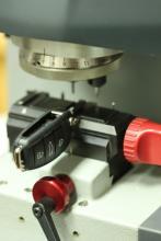 Elektronsko narezanje ključeva na fabričke dimenzije, profesionalna oprema za ukodiravanje ključeva i daljinaca !!!